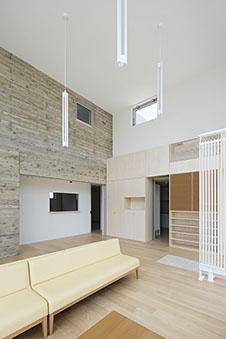 病院  設計:桑原茂建築設計事務所