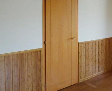 竹を使用した腰壁